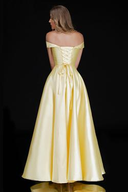 Style 6521 Nina Canacci Yellow Size 10 Prom Silk A-line Dress on Queenly