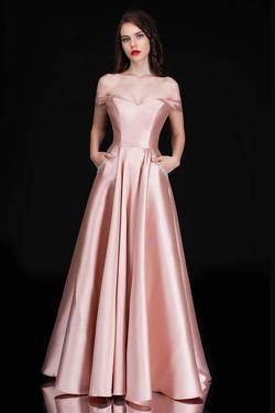 Queenly size 8 Nina Canacci Pink A-line evening gown/formal dress