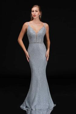 Style 6540 Nina Canacci Silver Size 12 Plunge Mermaid Dress on Queenly