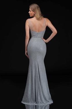 Style 6540 Nina Canacci Silver Size 14 Plunge Mermaid Dress on Queenly