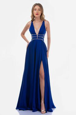 Queenly size 14 Nina Canacci Blue Side slit evening gown/formal dress