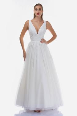 Style B110 Nina Canacci White Size 18 Backless Tall Height A-line Dress on Queenly
