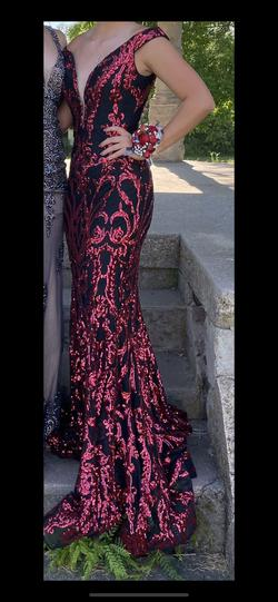Jovani Red Size 6 Prom Plunge Mermaid Dress on Queenly