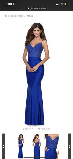 Style nan Blue Size 2 Ball gown on Queenly