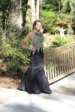 Queenly size 6 Mori Lee Black Mermaid evening gown/formal dress