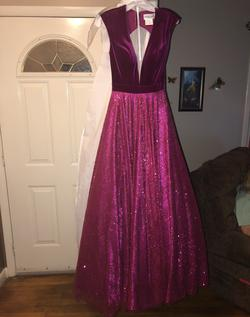Panoply Pink Size 4 Plunge Pageant Ball gown on Queenly