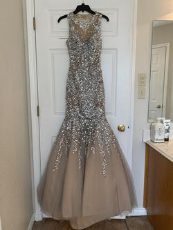 Queenly size 2 Glamor Nude Straight evening gown/formal dress