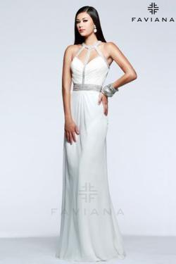 Faviana White Size 4 Prom Pageant Cape Straight Dress on Queenly