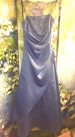 """Queenly size 2 """"b""""""""David's Bridal"""""""""""" Blue Ball gown evening gown/formal dress"""