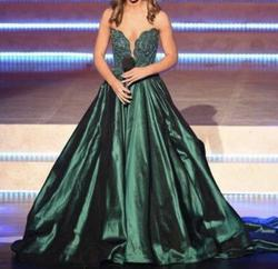 Sherri Hill Green Size 2 Plunge Pageant Ball gown on Queenly