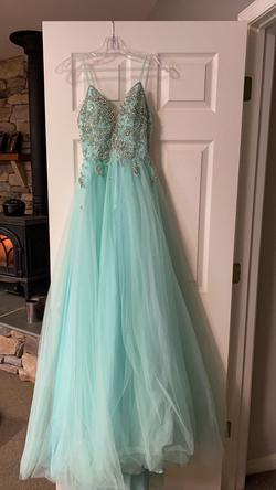 Queenly size 0 Vienna Green Train evening gown/formal dress