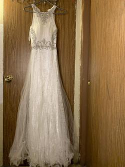 Queenly size 0 Anny Lee White Straight evening gown/formal dress