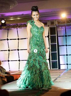 Mac Duggal Green Size 6 One Shoulder Train Mermaid Dress on Queenly