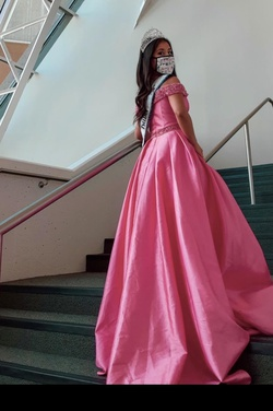 Queenly size 6 Ashley Lauren Pink Ball gown evening gown/formal dress