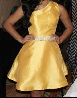 Queenly size 2 Ashley Lauren Yellow Cocktail evening gown/formal dress