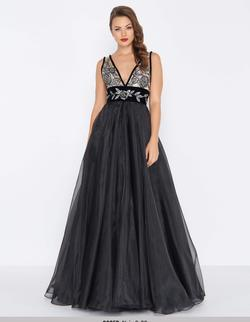 Style 2035 Mac Duggal Black Size 4 Prom V Neck Pageant A-line Dress on Queenly