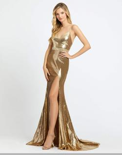Queenly size 0 Mac Duggal Gold Side slit evening gown/formal dress