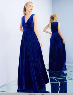 Style 26057 Mac Duggal Royal Blue Size 8 Fitted Straight Dress on Queenly