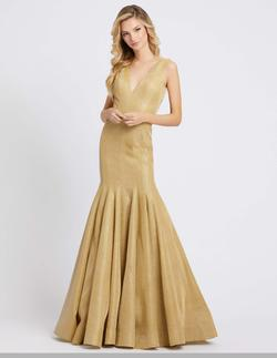 Style 26074 Mac Duggal Gold Size 2 V Neck Pageant Mermaid Dress on Queenly