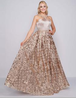 Style 40887 Mac Duggal Gold Size 4 Floral A-line Pageant Ball gown on Queenly