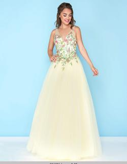 Style 50442 Mac Duggal Yellow Size 12 Embroidery Floral Ball gown on Queenly