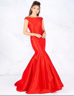 Style 62398 Mac Duggal Red Size 4 Prom Silk Mermaid Dress on Queenly