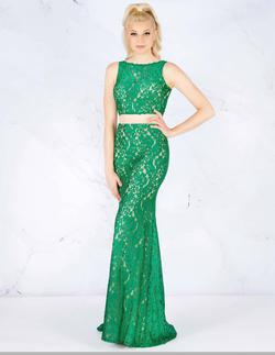 Style 62412 Mac Duggal Green Size 0 Two Piece Emerald Prom Straight Dress on Queenly