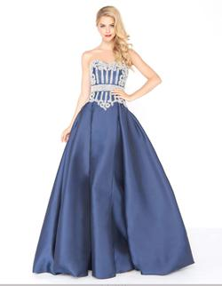 Style 62894 Mac Duggal Blue Size 4 Navy Ball gown on Queenly
