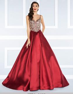 Style 66285 Mac Duggal Red Size 4 Prom Silk Sweetheart Ball gown on Queenly