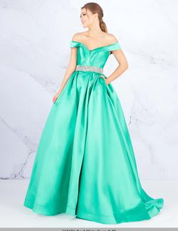 Style 66717 Mac Duggal Green Size 4 Prom Ball gown on Queenly