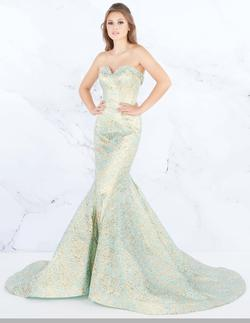 Queenly size 10 Mac Duggal Ice Blue Mermaid evening gown/formal dress