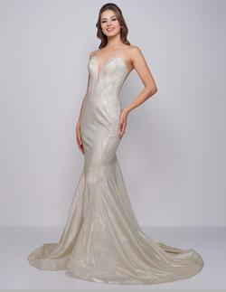 Queenly size 10 Mac Duggal White Mermaid evening gown/formal dress