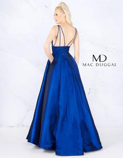 Style 66926 Mac Duggal Blue Size 6 Silver Prom Ball gown on Queenly