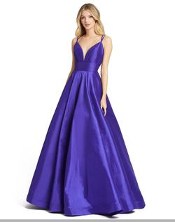 Style 67100 Mac Duggal Purple Size 2 V Neck Pageant Ball gown on Queenly
