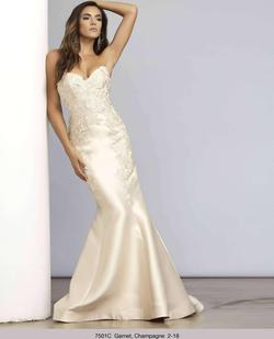 Style 7501 Mac Duggal White Size 8 Strapless Pageant Mermaid Dress on Queenly