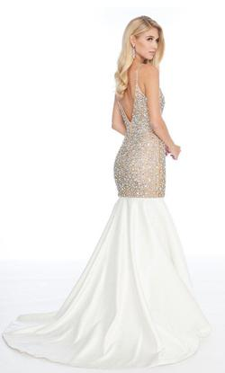 White Size 6 Mermaid Dress on Queenly