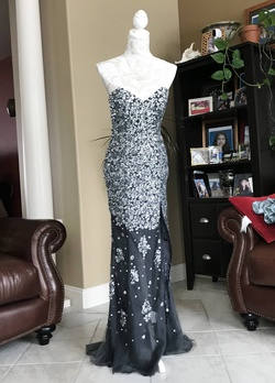 Queenly size 6 Jovani Black Mermaid evening gown/formal dress