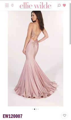Style nan Ellie Wilde Black Size 12 Prom Mermaid Dress on Queenly