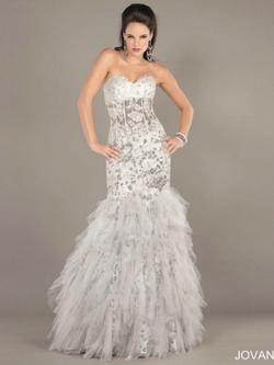 Jovani Silver Size 4 Feathers Feather Mermaid Dress on Queenly