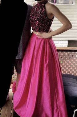 Style 51381 Sherri Hill Pink Size 8 Halter Ball gown on Queenly