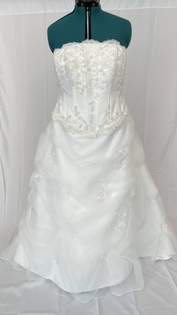 Queenly size 18 Davids bridal White Train evening gown/formal dress
