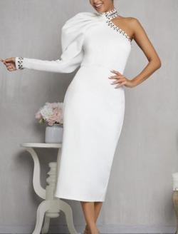 Queenly size 2  White Cocktail evening gown/formal dress