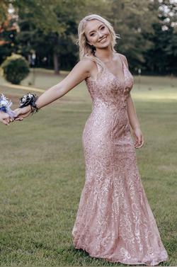 Queenly size 4 Ellie Wilde Pink Mermaid evening gown/formal dress