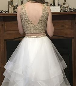 Mon Cheri Ellie Wilde White Size 0 Gold Prom Ball gown on Queenly