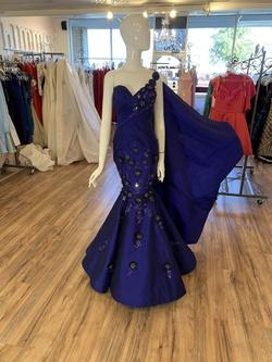 Queenly size 4 Fernando Wong Blue Mermaid evening gown/formal dress