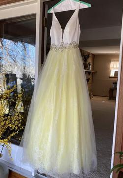 Queenly size 2  Yellow Ball gown evening gown/formal dress
