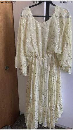 Loveshackfancy Gold Size 6 Floral Straight Dress on Queenly