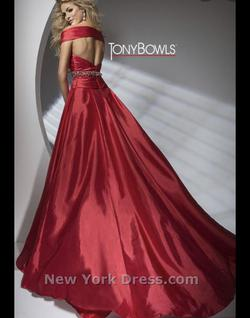 Tony Bowls Red Size 2 Prom Train Dress on Queenly