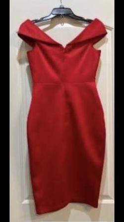Red Size 4 Cocktail Dress on Queenly