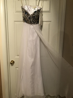 Queenly size 4 Jazz White A-line evening gown/formal dress